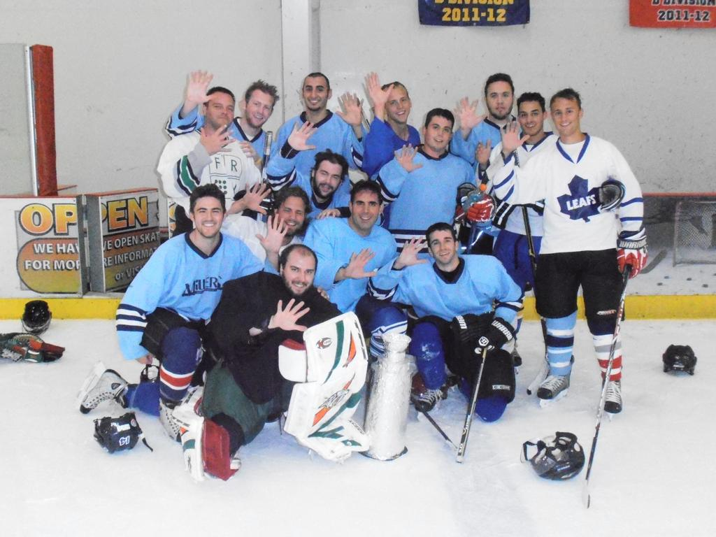 Novi Adult Summer 18+ C League Champions - Leafs