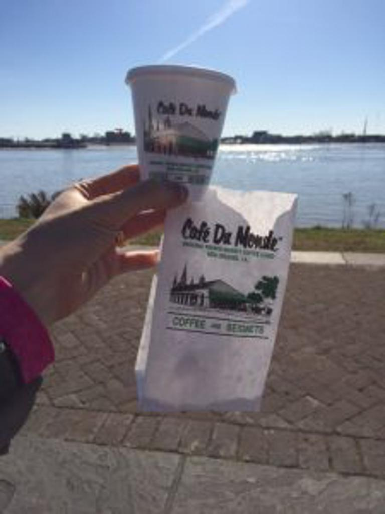 Cafe Du Monde food and drink