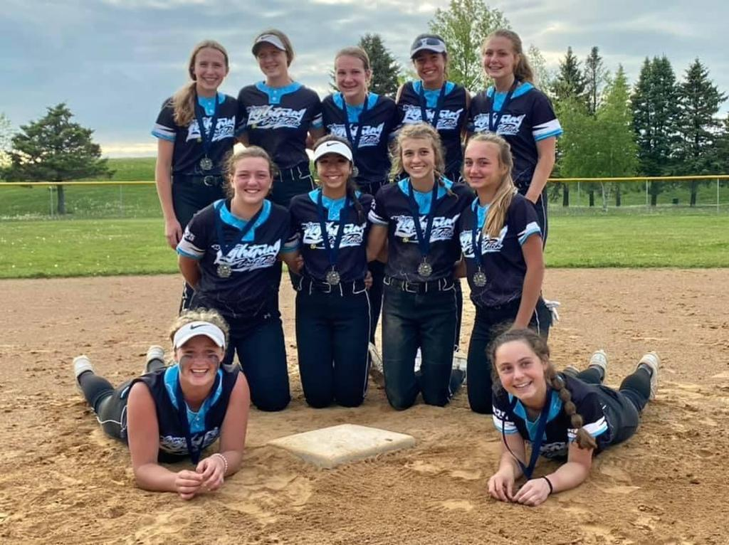 WI 2024/25 takes second place at the Louisville Slugger Ball Drop Bash 16U Tourney