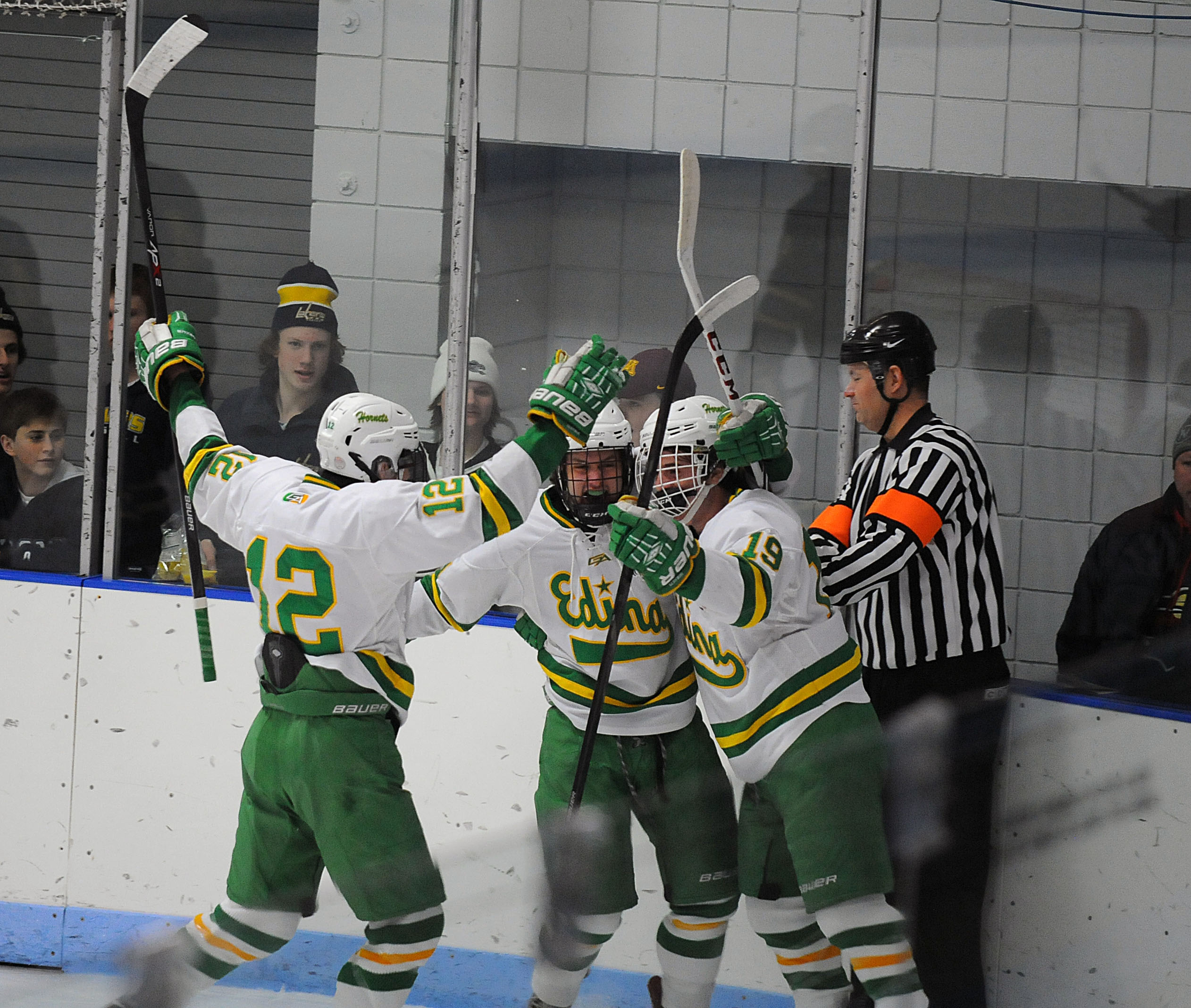 MN H.S.: Edina Cruises To Section Finals