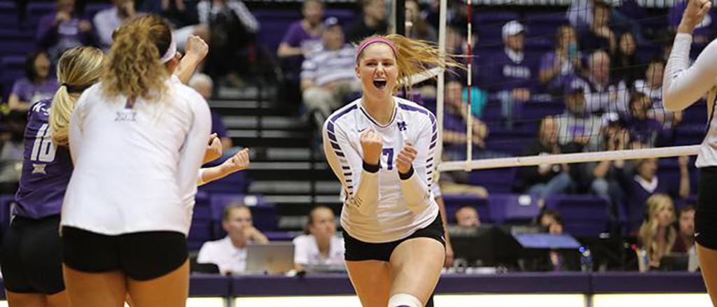 Brynn Carlson '17 is one of many Raiders who have gone on to play college sports. She is now a volleyball player for Kansas State.