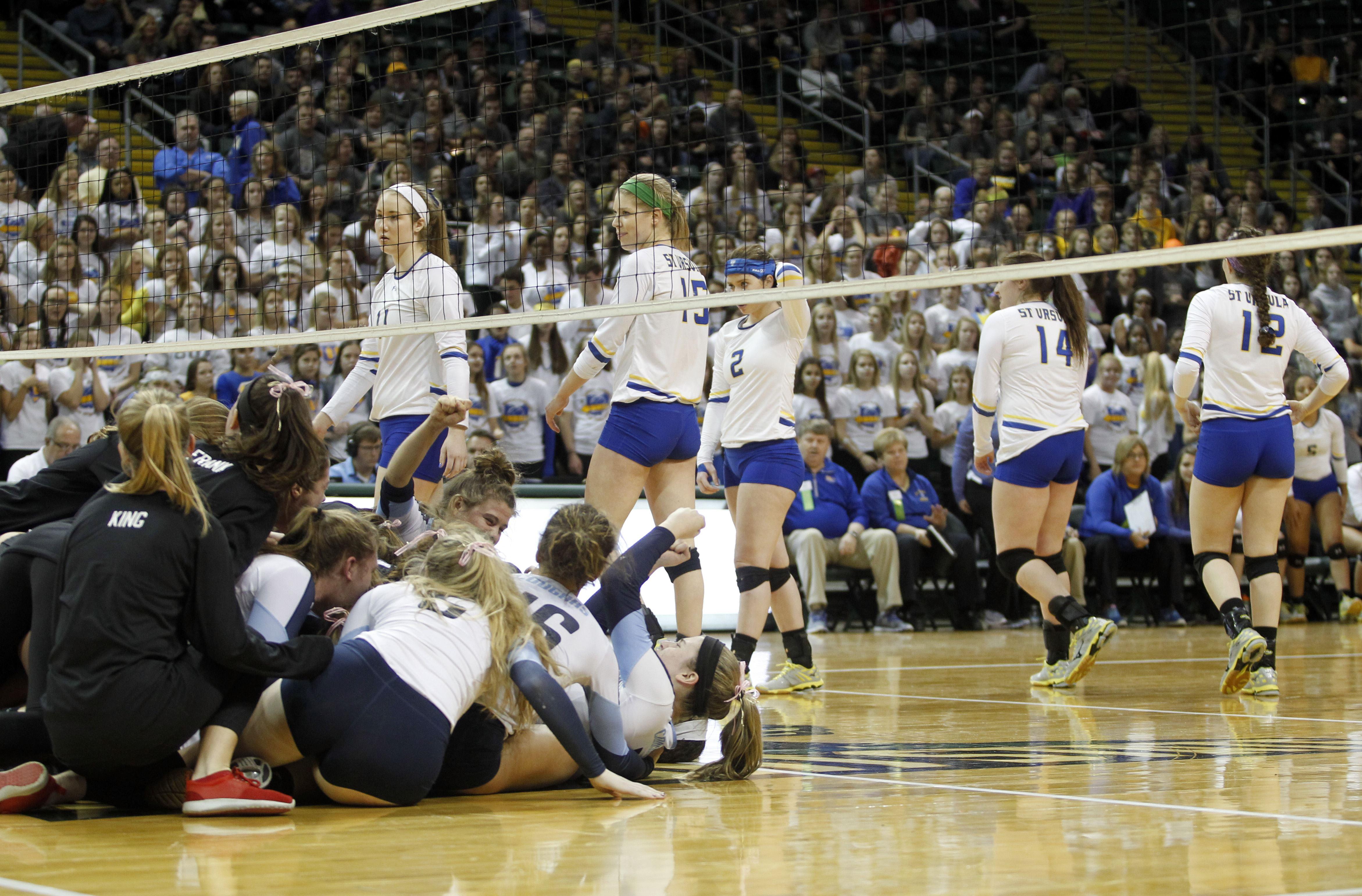 Catch It Kansas Volleyball Cffe F D Ccf Daebcb
