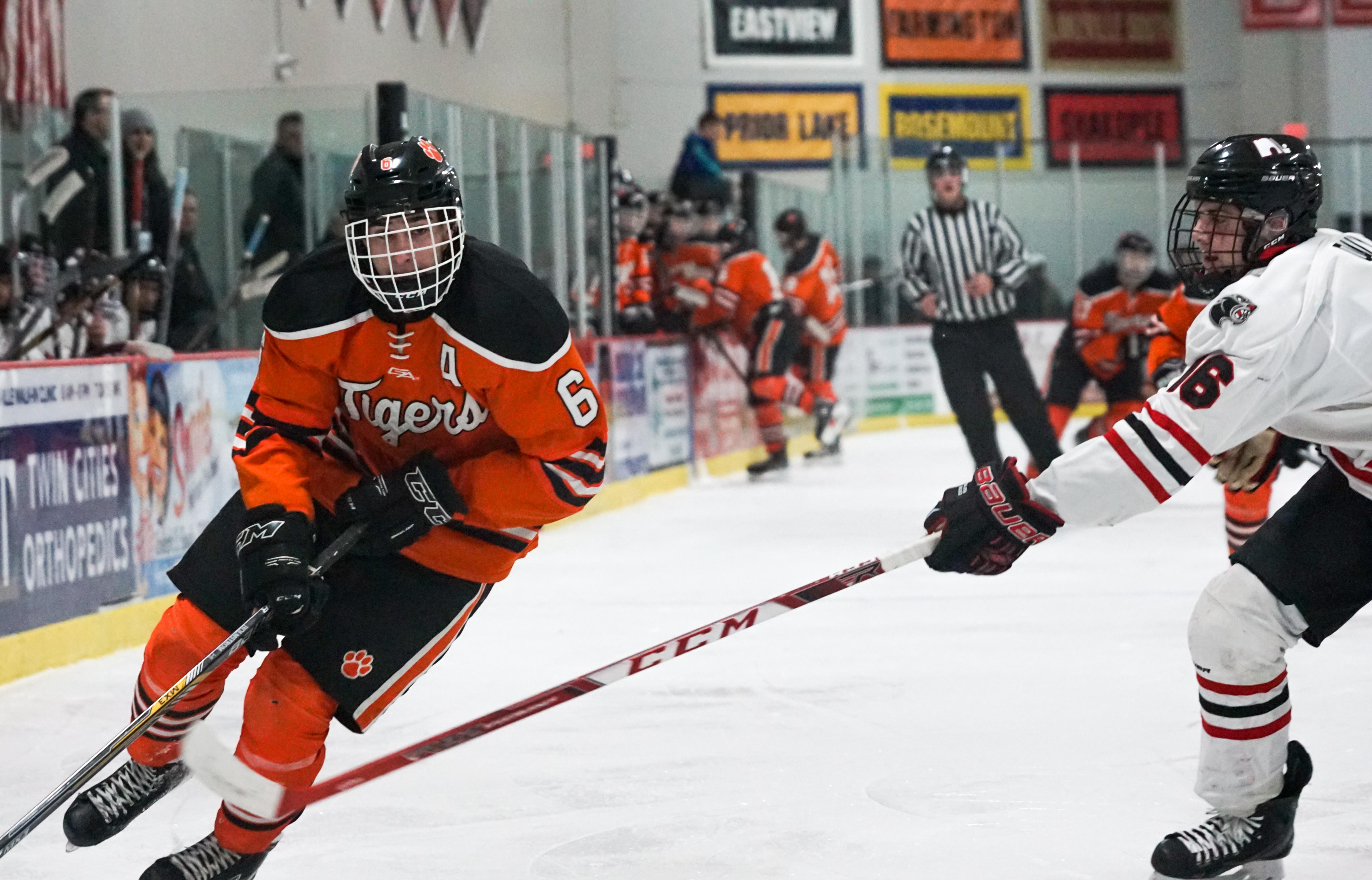MN H.S.: Late Goal Lifts Farmington Over South Suburban, Section Rival Lakeville North