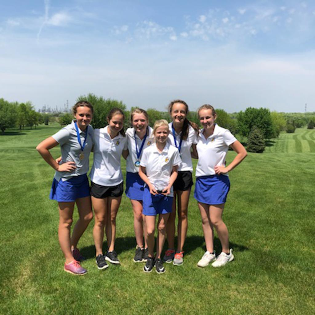 Girls Golf JV 2018 & 19 Conference Champions!!