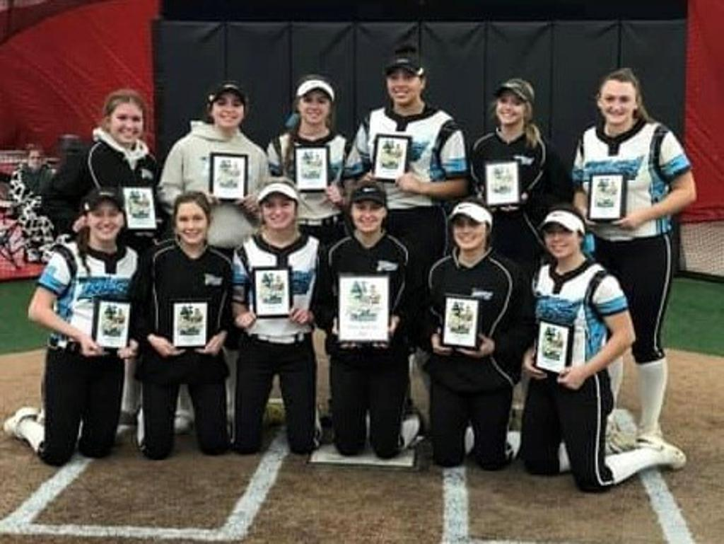 WI 2022 takes 1st place at the Louisville Slugger Sleighbell Slugfest