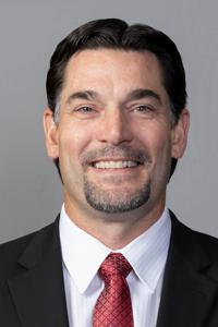 Assistant coach barry schuttecropped medium